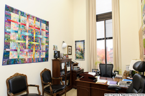 "[""This photo shows a staffer's office space, probably the Chief of Staff, in Senator John D. (Jay) Rockefeller's office.""]%"