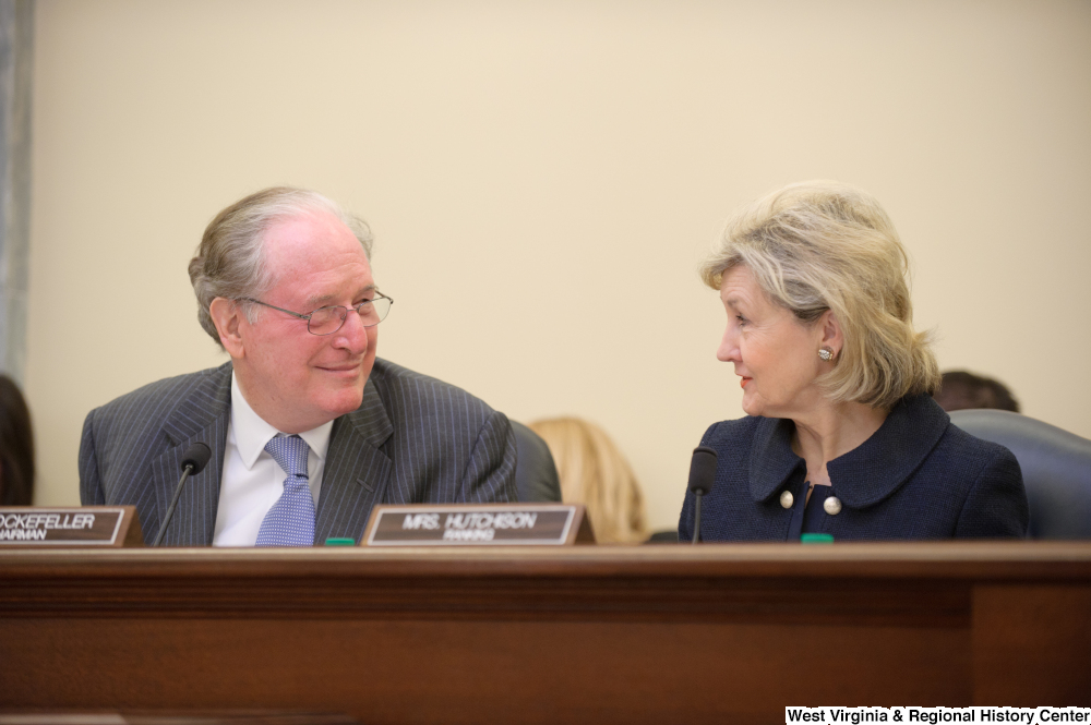 "[""Senators John D. (Jay) Rockefeller and Kay Hutchison look at one another during a Commerce Committee hearing titled \""Safeguarding Our Future: Building a Nationwide Network for First Responders.\""""]%"